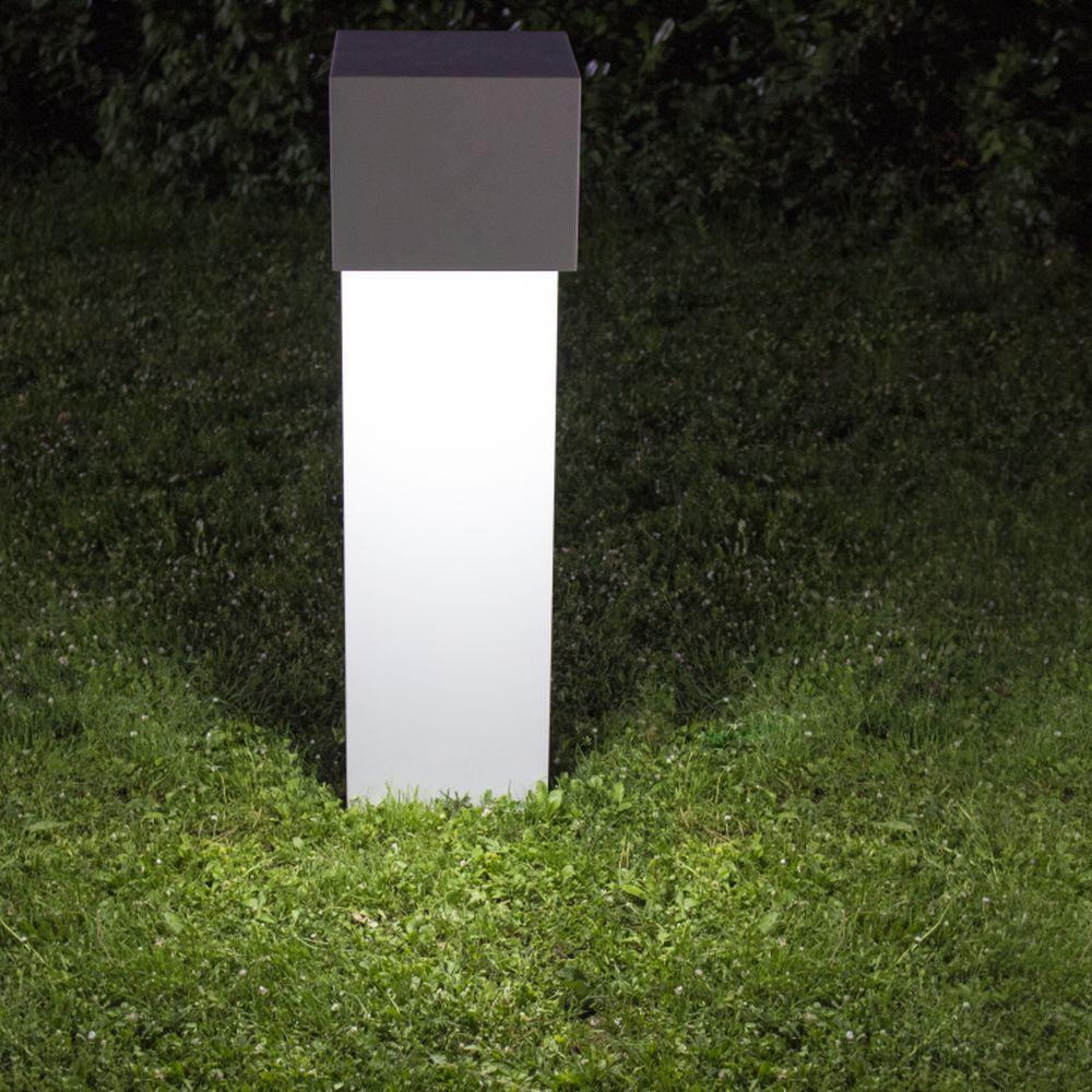 Chic Stainless Steel Garden Floor Lamp | modern outdoor in ground floor lighting | white | LED