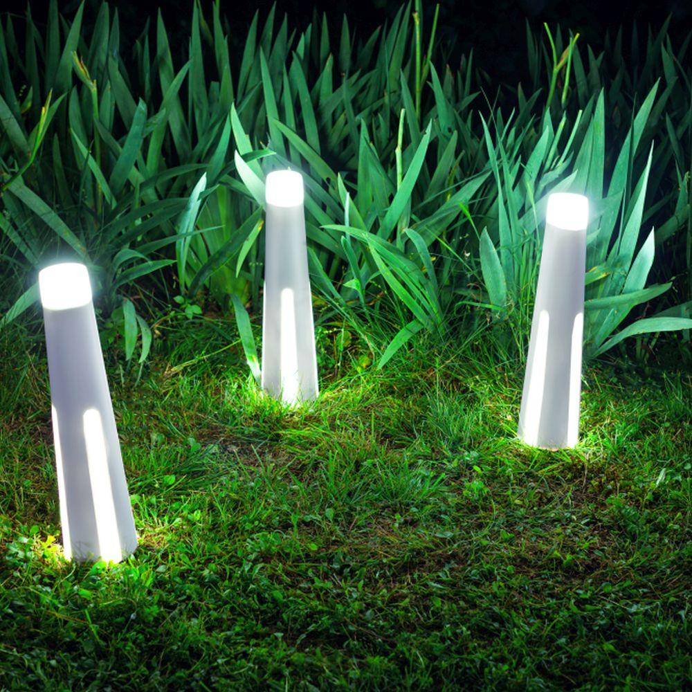 Chic Minimal Outdoor Floor Light | modern uncomplicated stylish outdoor floor lighting for sale UK | event lighting | wedding | LED