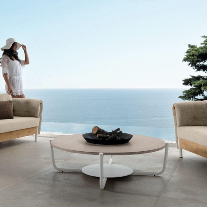 Minimal Outdoor Round Coffee Table | Luxury Round Coffee Table | Round Coffee Table | Luxury Furniture | Luxury Tables
