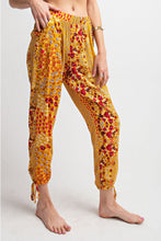 Load image into Gallery viewer, Mustard Floral Joggers