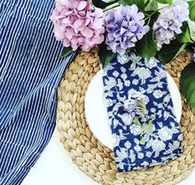 Load image into Gallery viewer, Indigo Hamptons Floral Napkins Set/4