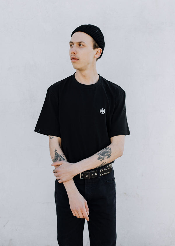 HARVEST TEE IN BLACK