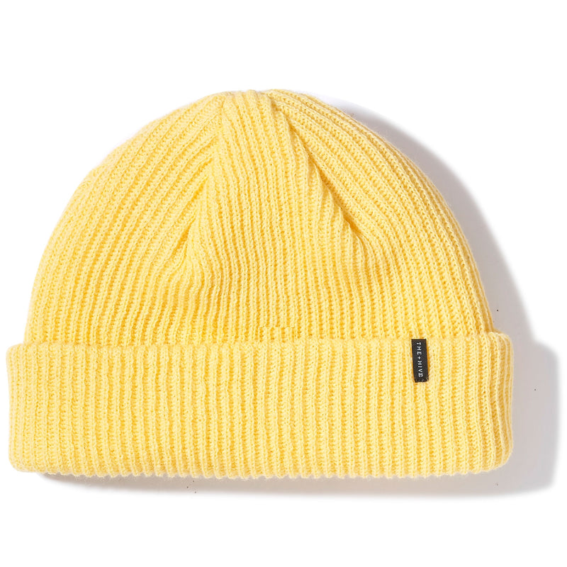 DOCKER SHORT BEANIE IN FADED YELLOW