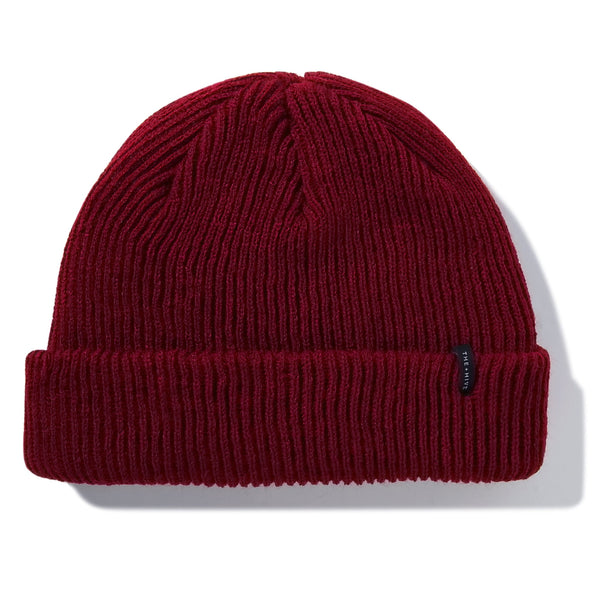 DOCKER SHORT BEANIE IN BURGUND