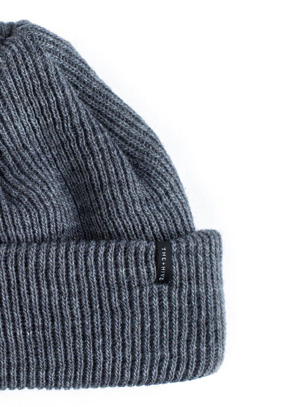 DOCKER SHORT BEANIE IN GREY