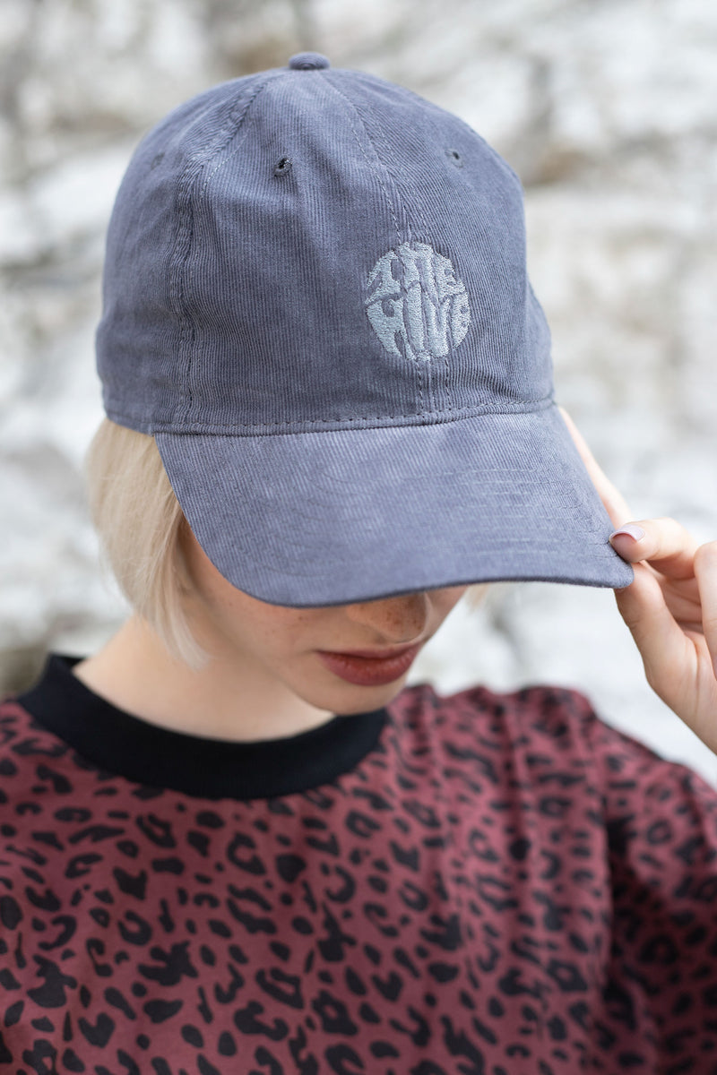CAP IN VINTAGE GREY