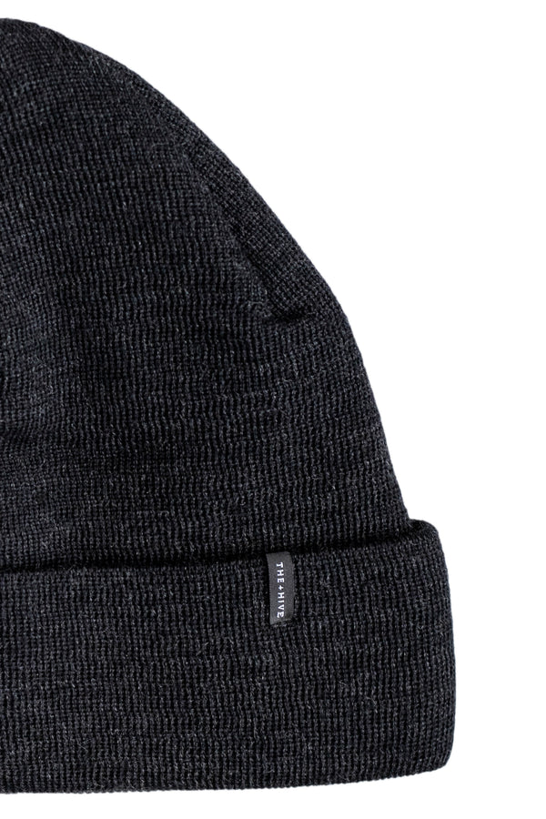 MERINO WOOL BEANIE IN GRAPHITE