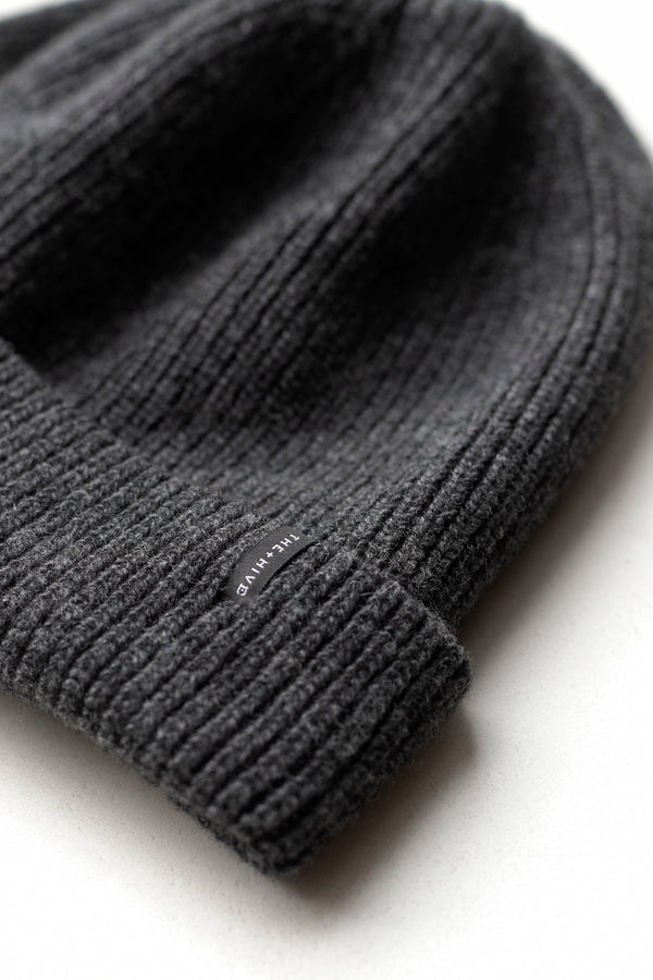 ECOWINTER CASHMERE BEANIE IN GRAPHITE