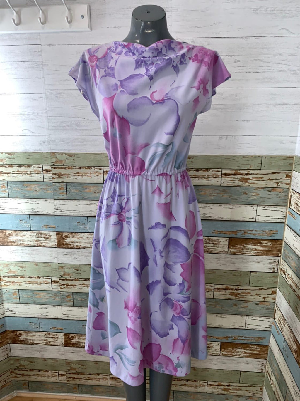 70's Sleeveless - Pale Lilac Print Flower Dress - Hamlets Vintage