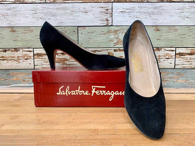 90s - Salvatore Ferragamo Classic Suede pumps Black