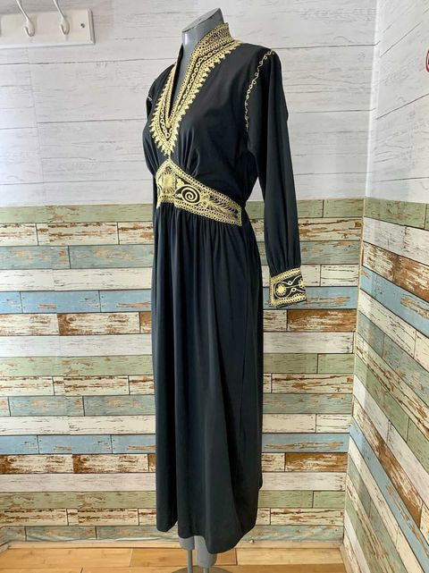 70s Long Sleeve Tunic Style dress With Cinch Waist & Gold Print Embroidered Dress