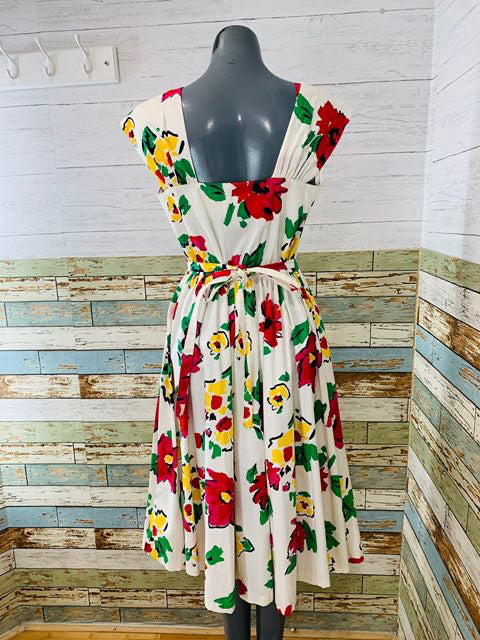 80's - Vintage Floral Summer Full Skirt Dress