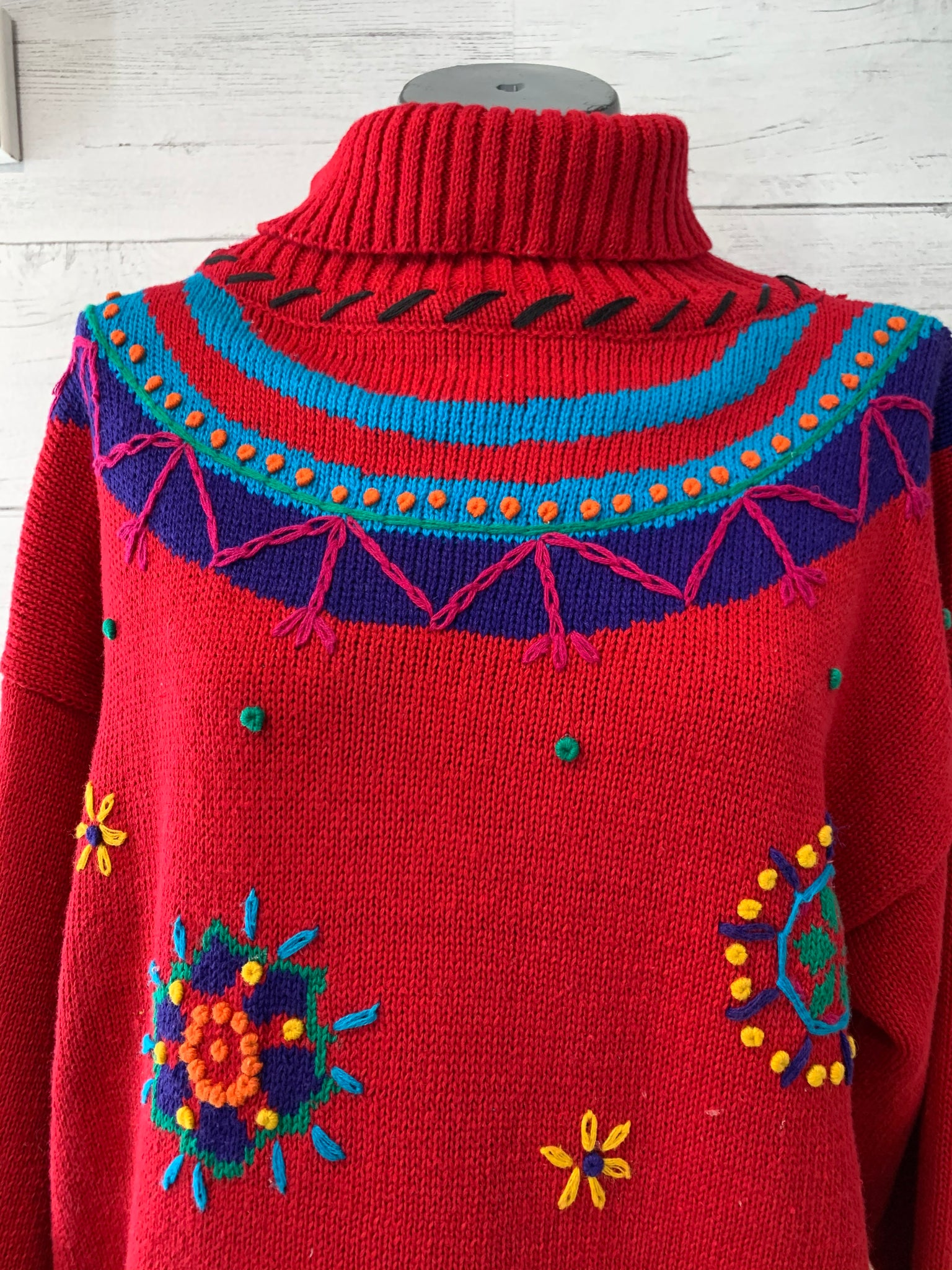 80's Turtle Neck Embroiled Sweater By L'EAU VIVE