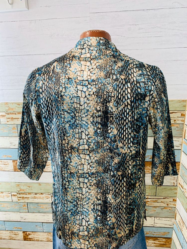 Varsos & Co. - Open Front Snake Print Tunic Shirt