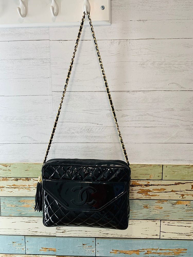 90s - Coco Chanel Patten Leather Bag with one Tassel