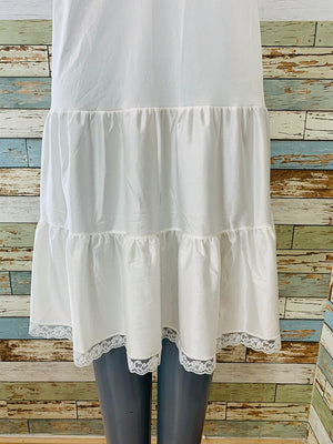 80s - White Slip With Lace - Hamlets Vintage