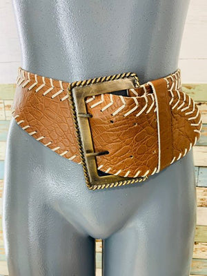 80s - Wide Leather Patten Big Buckle With Ivory Weave - Hamlets Vintage