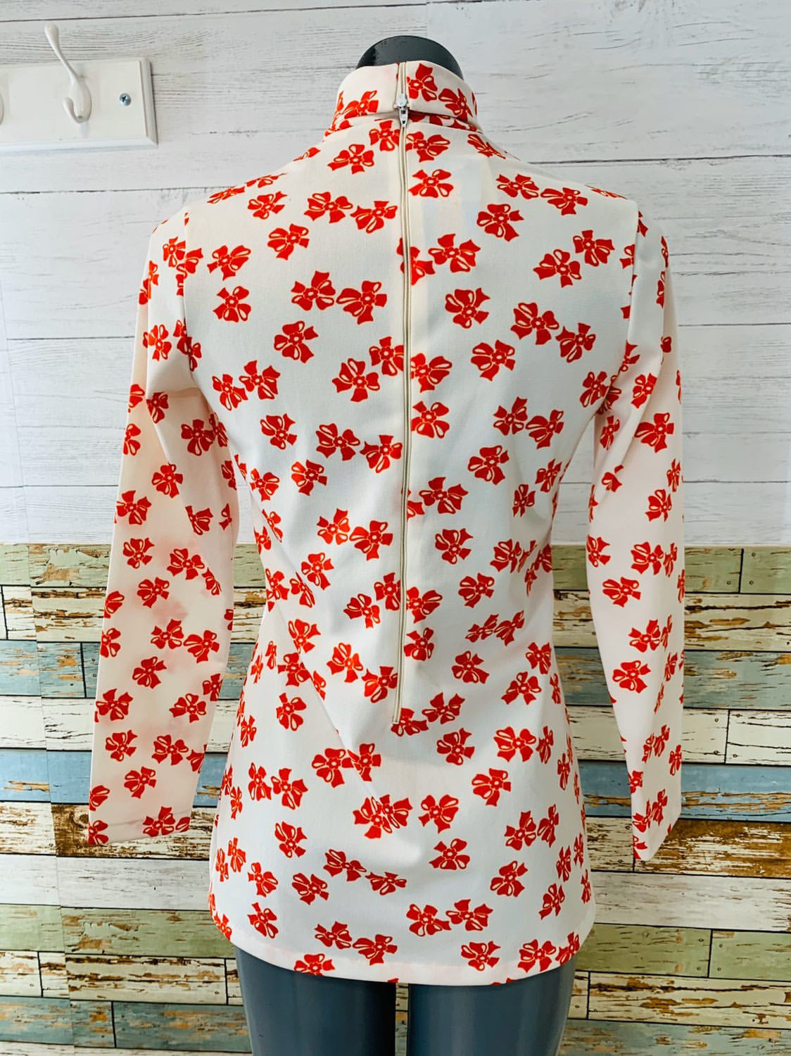 70's Long Sleeve - Turtleneck Red & White Bow Print | Blouse - Hamlets Vintage