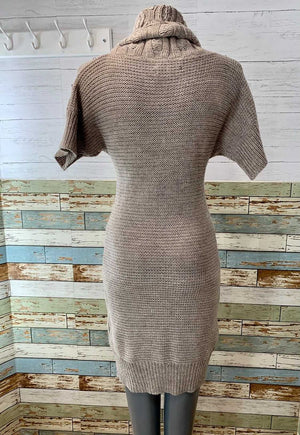 00s Short Sleeve Knit Dress & Studs  By Milano