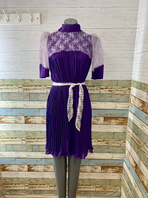 70s Pleaded Purple Short Sleeve Dress with Lilac Lace
