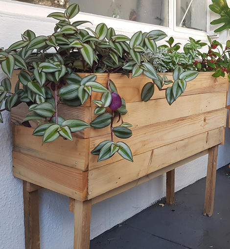 Elevated Planter Box - clikBUILD