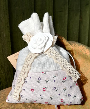 Open image in slideshow, Lavender Bag with Ceramic Ornament