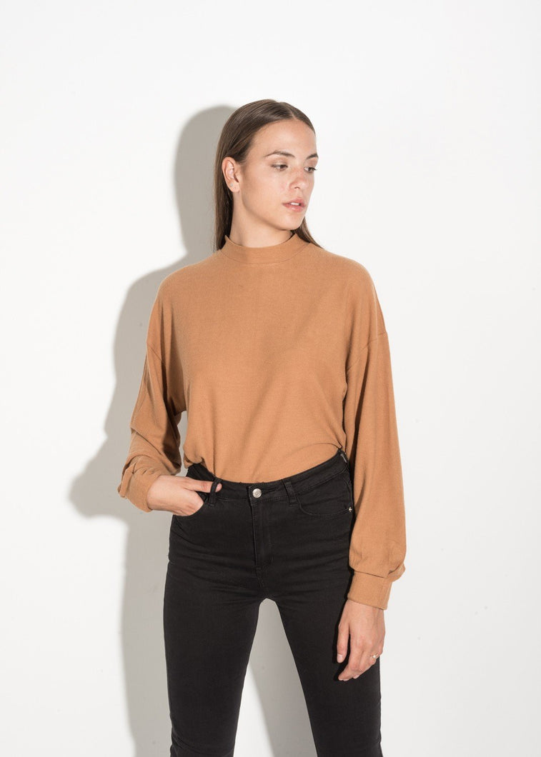 BROWN SHIRT WITH LONG SLEEVES by royalbee