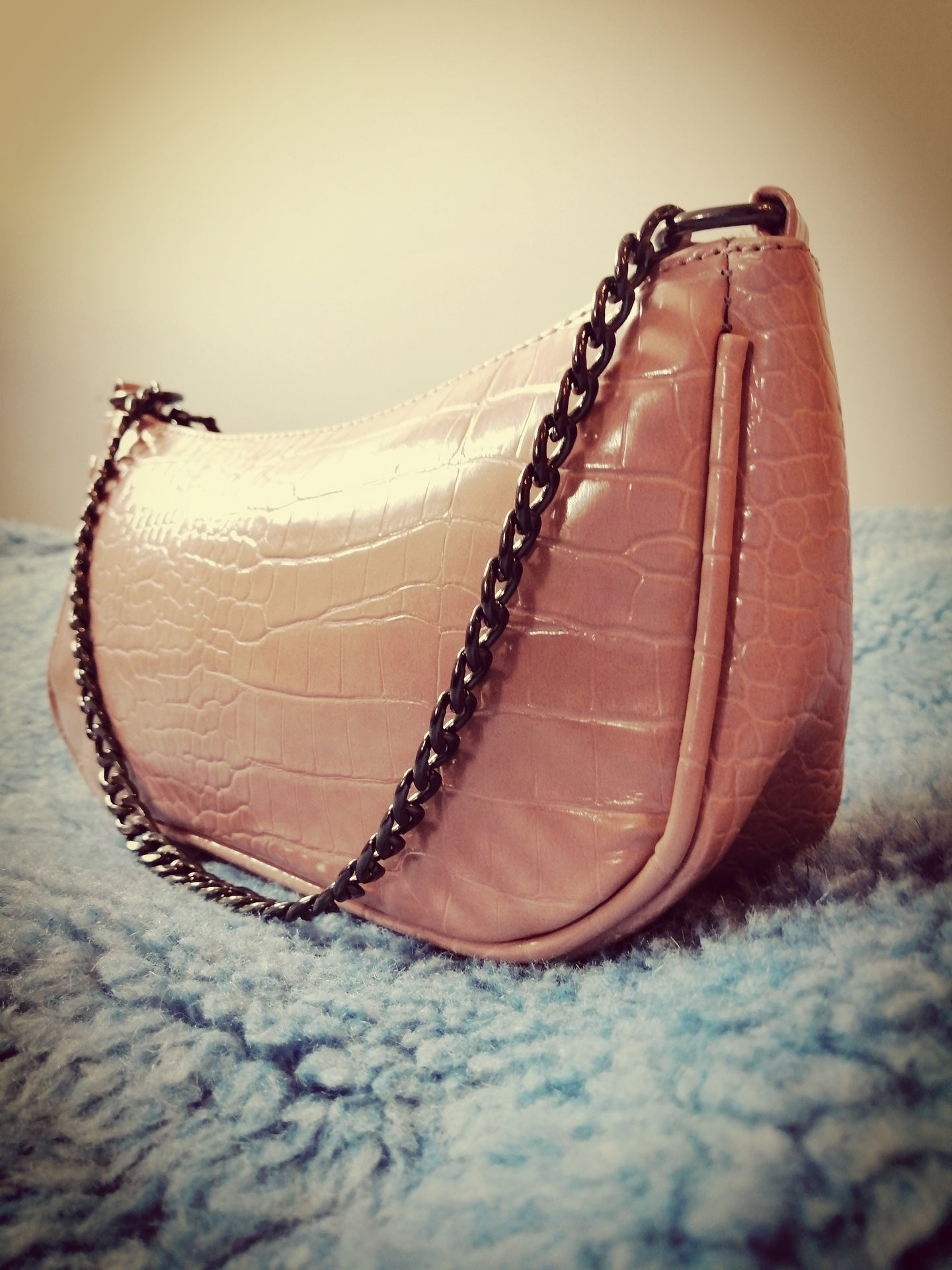 POUCHES CHAIN -CLUTCH IN PINK BY ROYALBEE.UK
