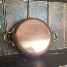 Load image into Gallery viewer, Round copper dish