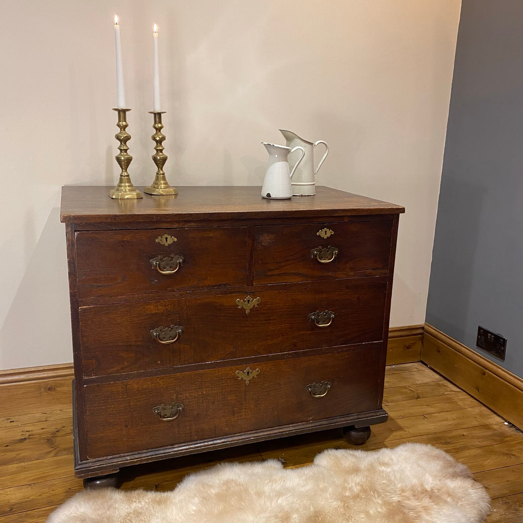 Georgian oak chest of drawers