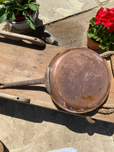 Load image into Gallery viewer, French vintage frying pan