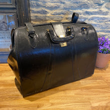 Load image into Gallery viewer, French leather Doctors bag