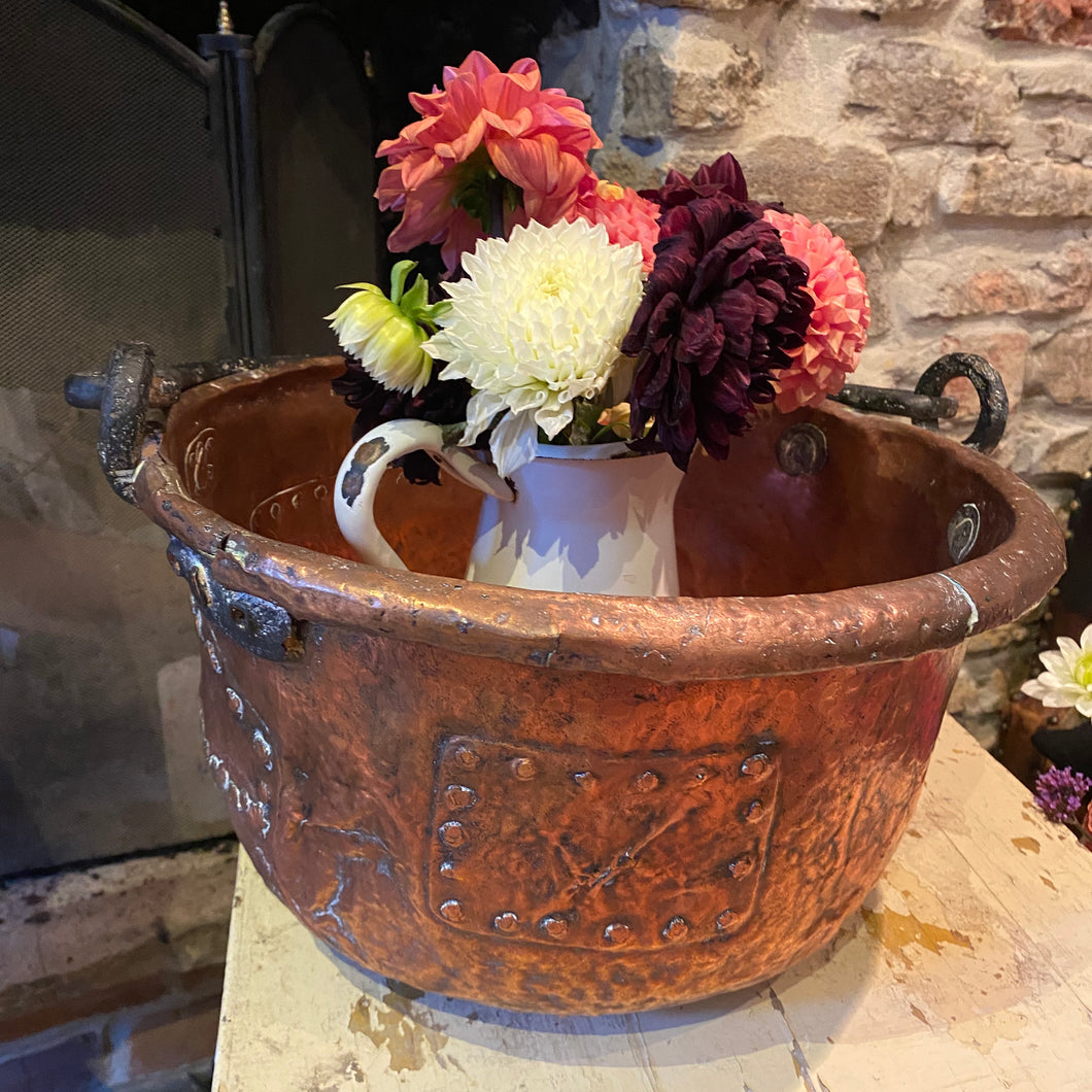 Beautiful French copper cauldron