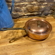 Load image into Gallery viewer, Beautiful French copper sauté pan with lid