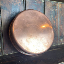 Load image into Gallery viewer, French vintage shallow copper cake tin