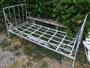 French metal day bed