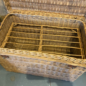 French wicker poultry basket