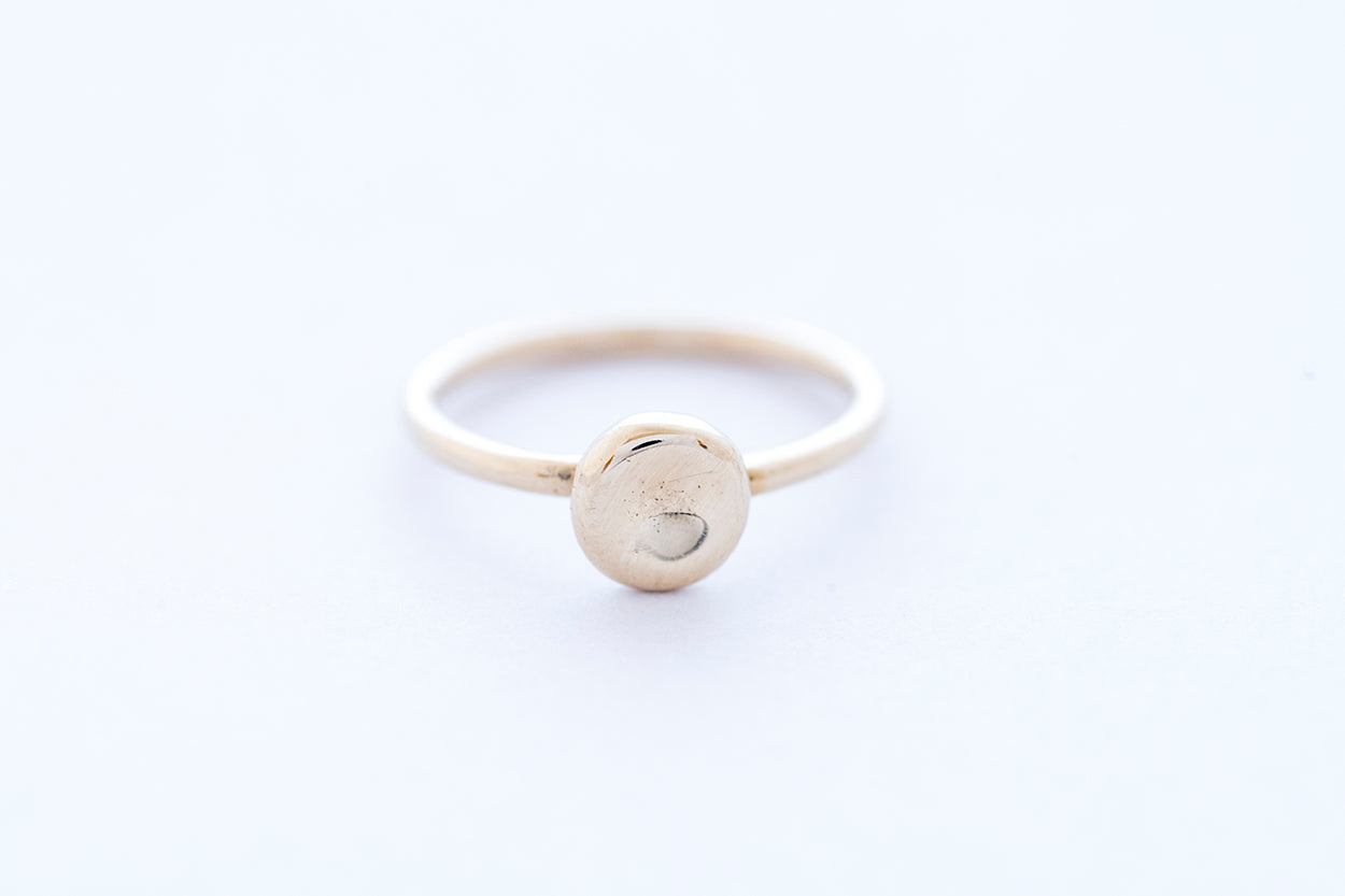 "PEBBLE ring ""S"" - 14K yellow gold"