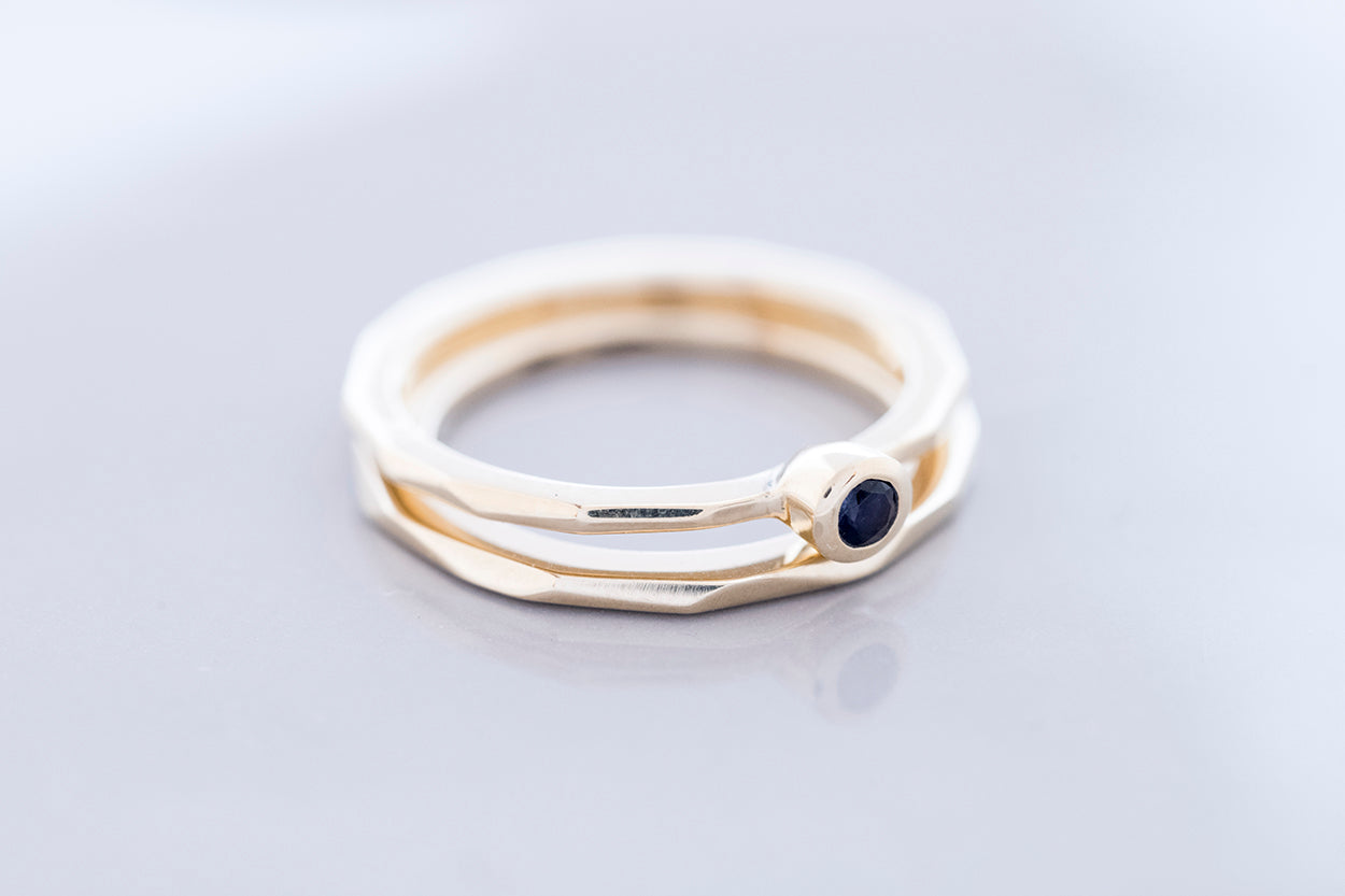 FAZETTE SOLITAIRE ring | 14K yellow gold w. iolite