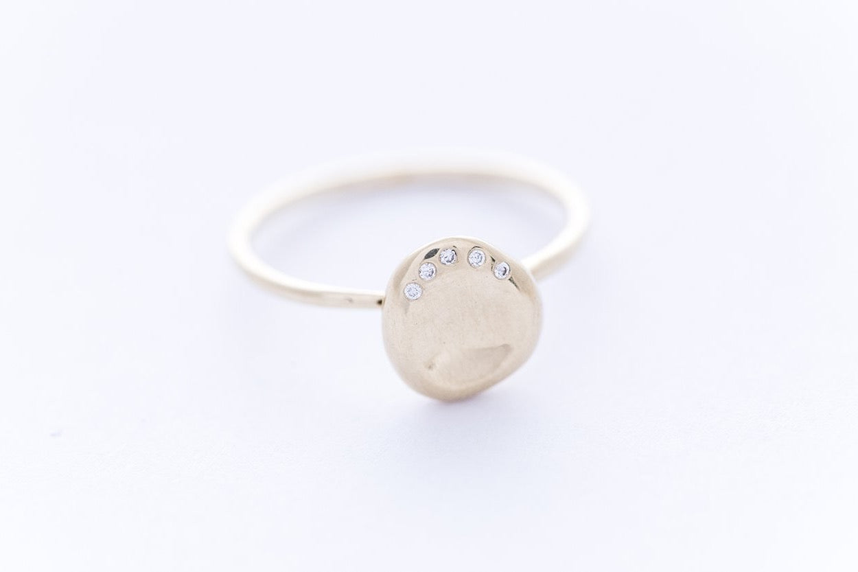 "PEBBLE ring ""L"" - 14K yellow gold 