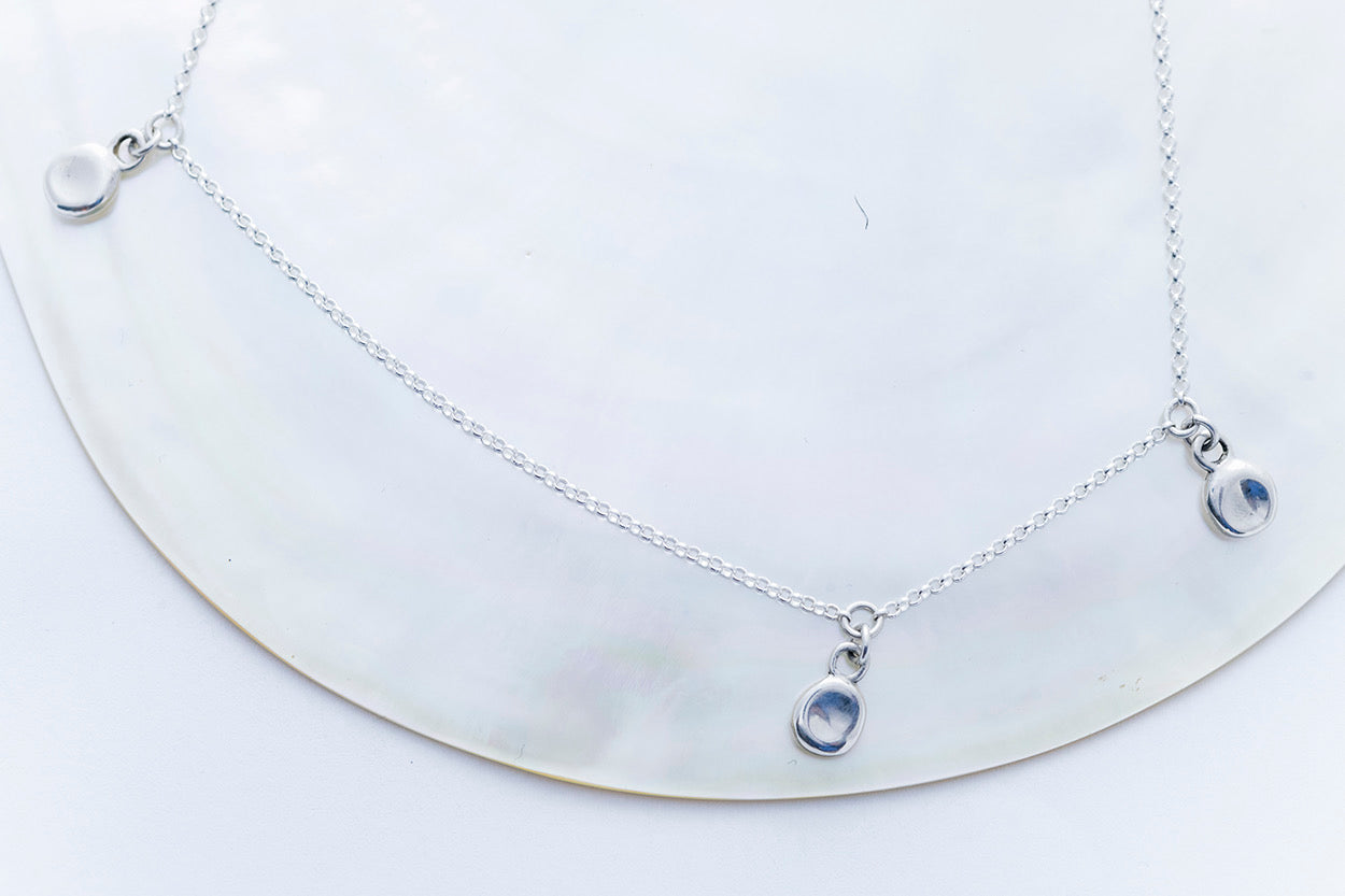PEBBLE CHARM TRIO necklace | Sterling Silver
