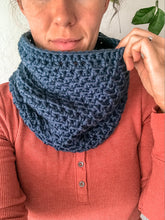 Load image into Gallery viewer, Crochet Pattern: Squishy Cowl