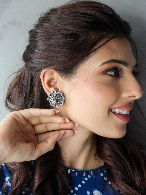 Maysha Stud Earrings - Tipsyfly