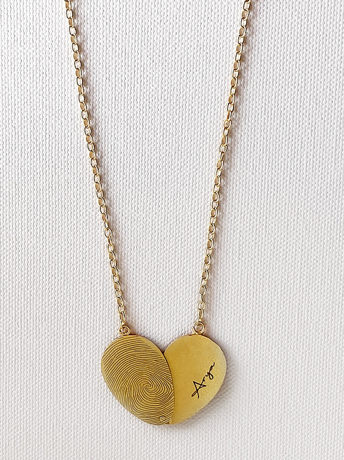 Personalised openable fingerprint name necklace - Tipsyfly