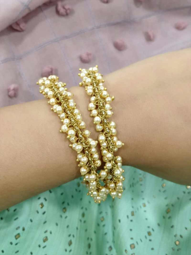 Tipsyfly Pearl Bangle 2*4