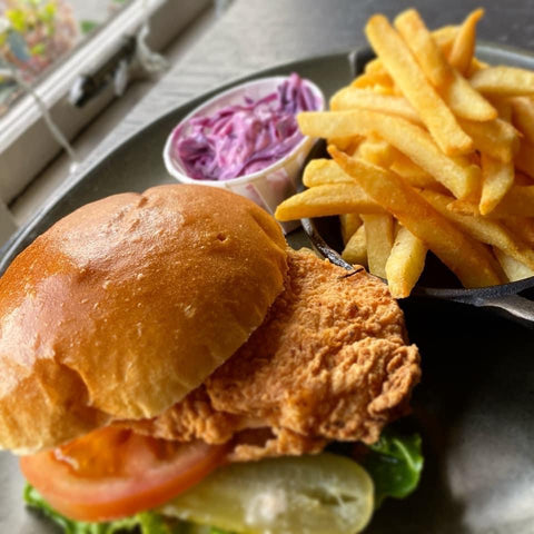 SOUTHERN FRIED CHICKEN BURGER