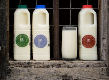 Farm Fresh Whole Milk (Bradfields Farm) (1 Ltr)