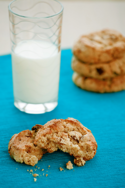 Pecan & White choc cookie - Field Fare - Frozen