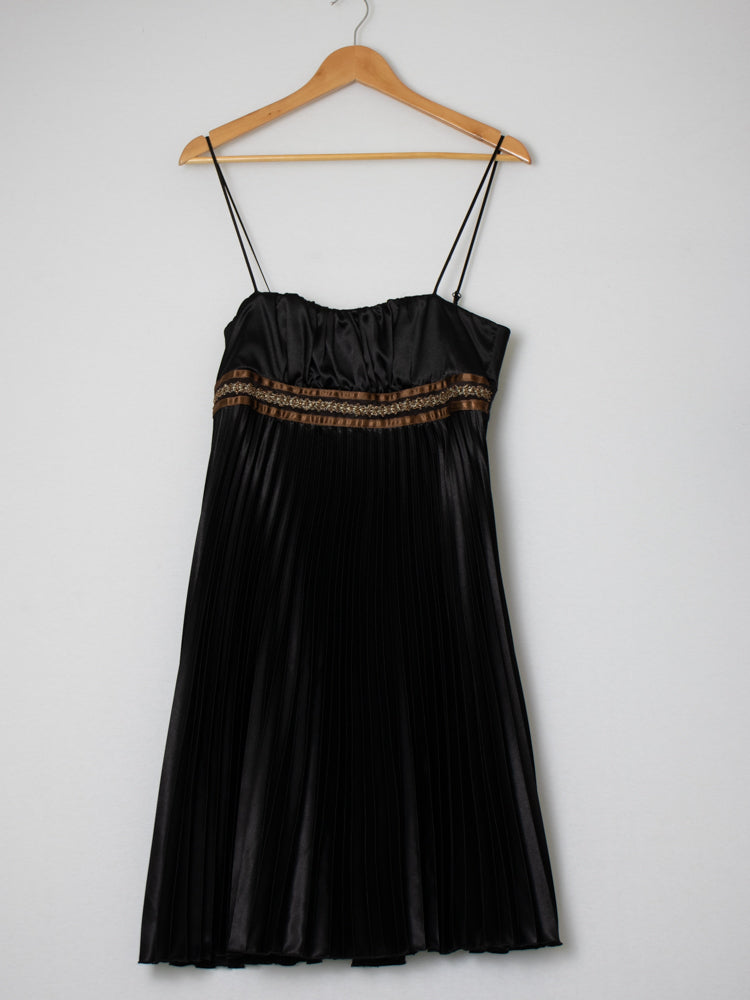 Review Black Pleated Dress - Size 12