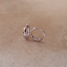 Load image into Gallery viewer, Plain Silver Huggie Earrings